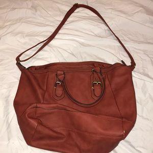 Big Handbag Over the Shoulder Fahionable